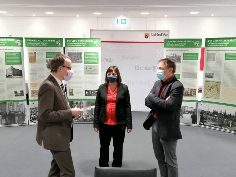 Ausstellungseröffnung, von links Dr. Alt, Dr. Engelen, Dr. Rummel.